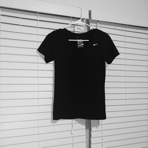 Black nike short sleeve athletic shirt